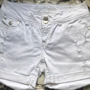 White Wallflower Shorts Sz 9